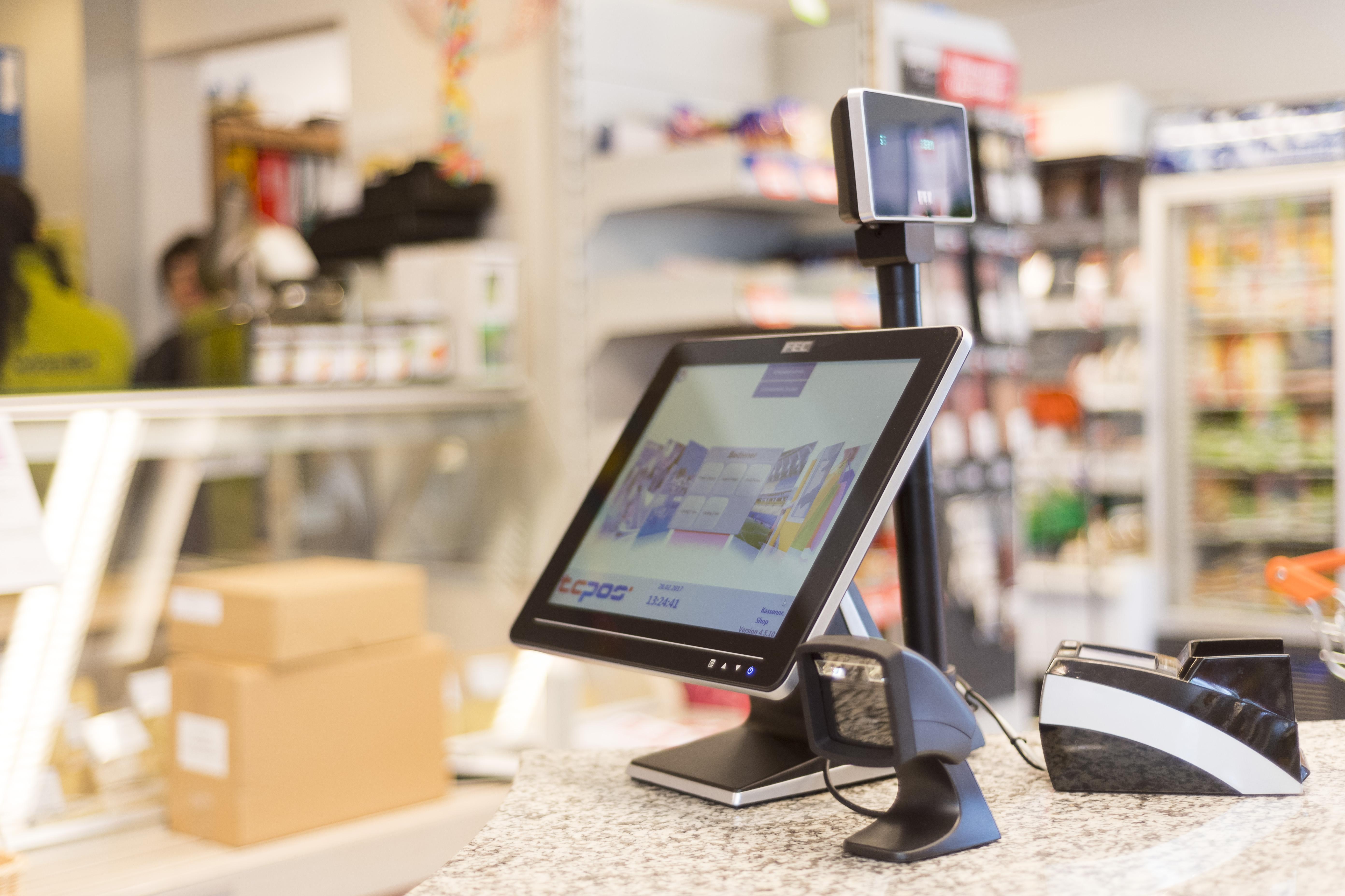 Komplettes Kassensystem mit Scanner, EFT-Gerät und Anzeige