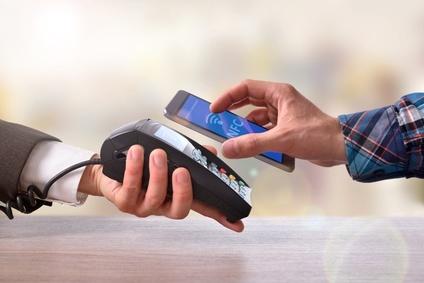 Kontaktlos bezahlen mit Karte und Mobile Payment mit TWINT